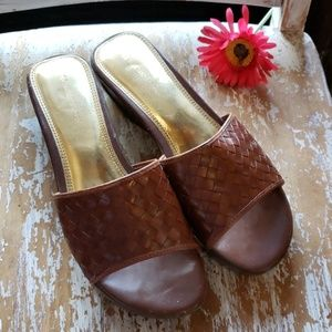 NATURALIZER woven leather Brazil  wedge sandals 10